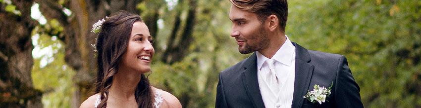 Große Auswahl an Krawatten für Hochzeiten.
